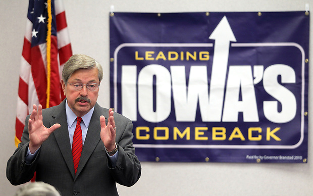 "Terry Branstad speaks in Red Oak Wednesday, July 14, 2010, during his ""Truth in Budgeting"" tour."