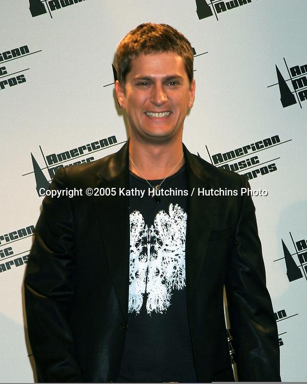 Rob Thomas.2005 American Music Awards.Shrine Auditorium.Los Angeles, CA.November 22, 2005.©2005 Kathy Hutchins / Hutchins Photo....