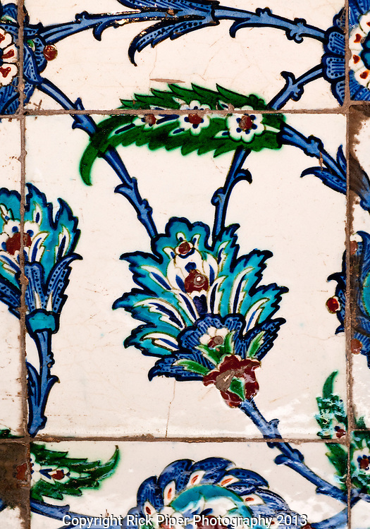 Iznik 21 - Iznik tiles in the tomb of Sultan Ahmet, Sultanahmet, Istanbul, Turkey