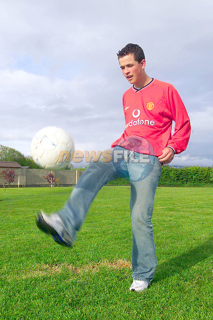 Kyle Moran from the Bay estate in Dundalk after signing with Manchester united.Photo Fran Caffrey/Newsfile.ie..This picture has been sent to you by:.Newsfile Ltd,.3 The View,.Millmount Abbey,.Drogheda,.Co Meath..Ireland..Tel: +353-41-9871240.Fax: +353-41-9871260.GSM: +353-86-2500958.ISDN: +353-41-9871010.IP: 193.120.102.198.www.newsfile.ie..email: pictures@newsfile.ie..This picture has been sent by Fran Caffrey.francaffrey@newsfile.ie