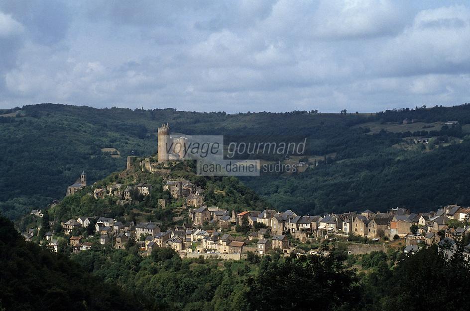 Europe/France/Auvergne/12/Aveyron/Najac: Vue générale - sur les hauteurs, la forteresse royale de Najac (XIII ème siècle)
