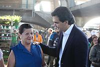 SAO PAULO, SP, 17 DE AGOSTO DE 2012.  ELEICOES 2012 GABRIEL CHALITA. O candidato a prefeitura pelo PMDB, Gabriel Chalita, durante visita ao pavilhão das flores do Ceagesp na manha desta sexta feira na zona Oeste da capital paulista. FOTO ADRIANA SPACA - BRAZIL PHOTO PRESS