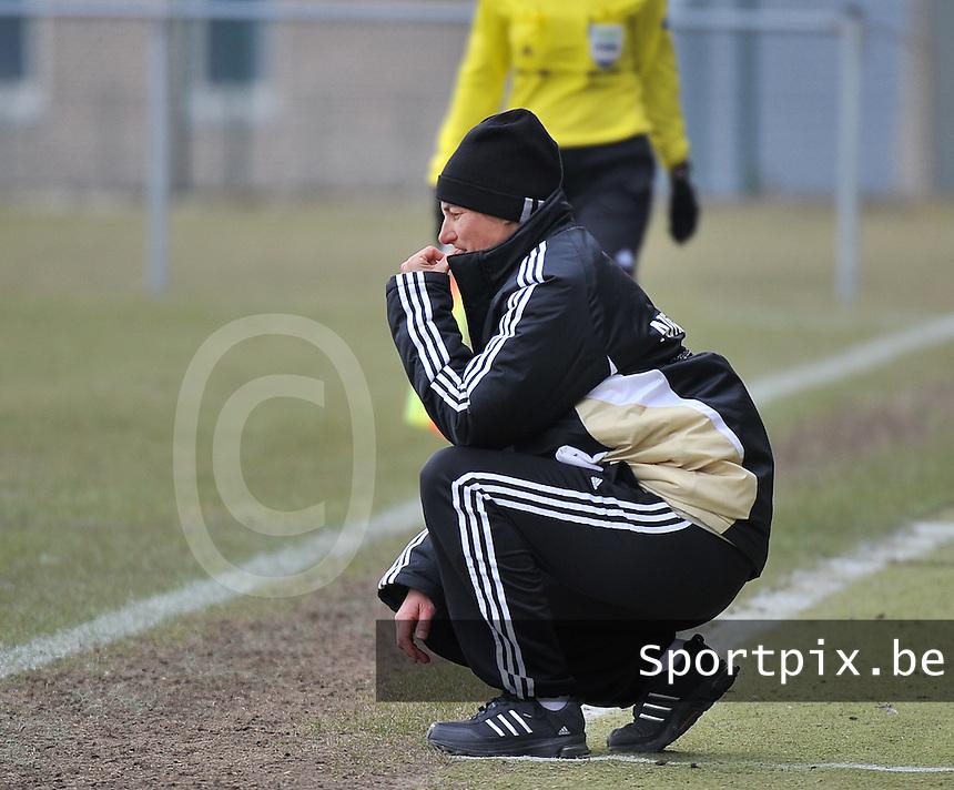 Belgie U17 - Duitsland U17 : duitsland coach .Anouschka Bernhard (GER) .foto DAVID CATRY / Vrouwenteam.be