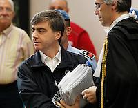 Valter lavitol i nell   aula del tribunale di napoli durante il processo  per corruzione