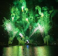 TAE- Epcot IlumiNations Fireworks at Disney, Orlando FL 5 14