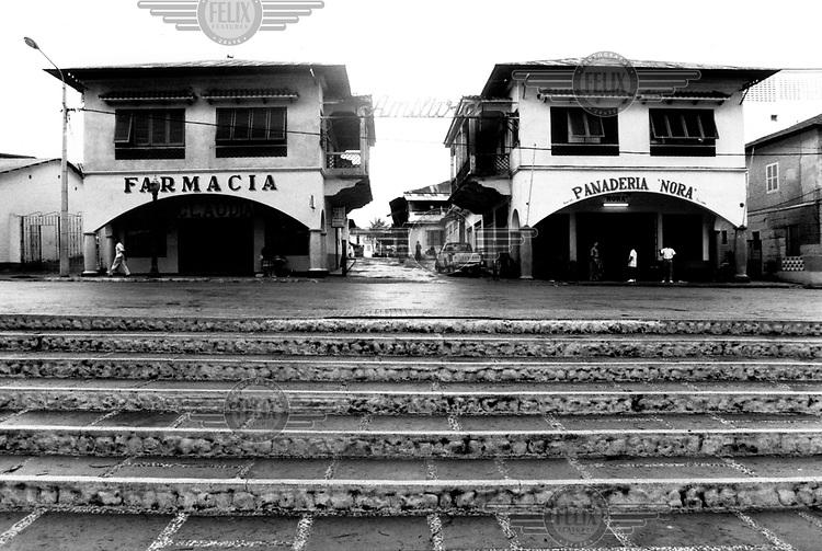 ©Giacomo Pirozzi/Panos Pictures..Equatorial Guinea. Shops in Bata.