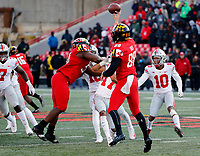 Maryland Terrapins punter Wade Lees (88) throws a pass on a fake punt against Ohio State Buckeyes during the 4th quarter of their game at Capital One Field at Maryland Stadium in College Park, Maryland on November 17, 2018. [Kyle Robertson/Dispatch]