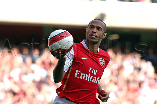 9 September 2006: Arsenal striker Thierry Henry celebrates his goal during the Premiership game between Arsenal and Middlesbrough, played at The Emirates Stadium. The game finished 1-1. Photo: Actionplus....060909 football player goal joy