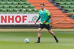 11.05.2018, Weserstadion, Bremen, GER, 1.FBL, Training SV Werder Bremen<br /> <br /> im Bild<br /> Sebastian Langkamp (Werder Bremen #15), <br /> <br /> Foto &copy; nordphoto / Ewert