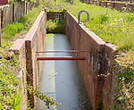 Newly cleared lock on Wiltshire and Berkshire canal, Dauntsey Lock, Wiltshire, England, UK