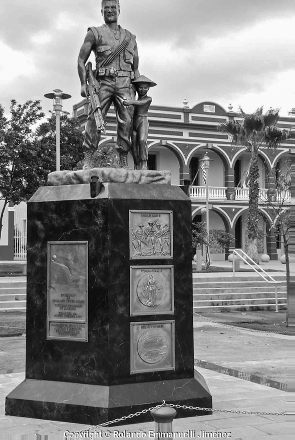 Rolando Emmanuelli JimEnez is proud to present original photographs of magnificent places, people, nature and landmarks from Puerto Rico. The images are available for download or printing at:<br /> <br /> http://www.remmanuelli.com<br /> <br /> Rolando Emmanuelli is a Puerto Rican laywer and photographer who specializes in Puerto Rican scenery, culture and people. He has been practicing this art since childhood and has won contest prizes and recongnition for his art. <br /> <br /> If you want to buy some of my photographs printed in an archival high quality paper and excellent printer go to:<br /> <br /> http://www.remmanuelli.com<br /> <br /> The images are available at www.remmanuelli.com for download or printed on long lasting and fade resistant professional papers.