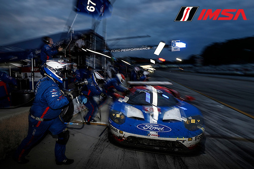 IMSA WeatherTech SportsCar Championship<br /> Motul Petit Le Mans<br /> Road Atlanta, Braselton GA<br /> Saturday 7 October 2017<br /> 67, Ford, Ford GT, GTLM, Ryan Briscoe, Richard Westbrook, Scott Dixon, pit stop<br /> World Copyright: Michael L. Levitt<br /> LAT Images