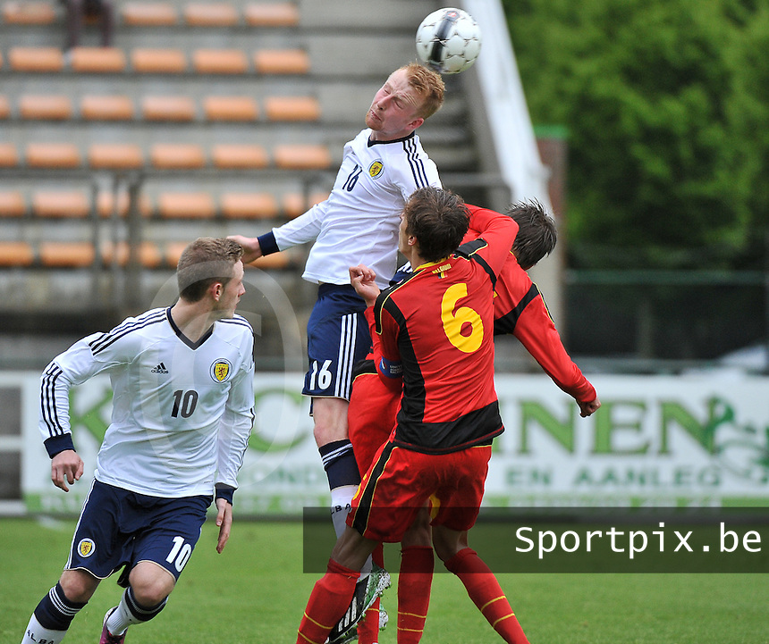 Scotland U19 - Belgium U19 : Mark Beck with the header.foto DAVID CATRY / Nikonpro.be