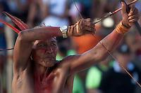 IV Jogos Tradicionais Indígenas do Pará<br /> <br /> Arco e flexa Gavião<br /> <br /> <br /> Quinza etnias participam dos  IX Jogos Indígenas, iniciados neste na íntima sexta feira. Aikewara (de São Domingos do Capim), Araweté (de Altamira), Assurini do Tocantins (de Tucuruí), Assurini do Xingu (de Altamira), Gavião Kiykatejê (de Bom Jesus do Tocantins), Gavião Parkatejê (de Bom Jesus do Tocantins), Guarani (de Jacundá), Kayapó (de Tucumã), Munduruku (de Jacareacanga), Parakanã (de Altamira), Tembé (de Paragominas), Xikrin (de Ourilândia do Norte), Wai Wai (de Oriximiná). Participam ainda as etnias convidadas - Pataxó (da Bahia) e Xerente (do Tocantins). Mais de 3 mil pessoas lotaram as arquibancadas da arena de competição.Praia de Marudá, Marapanim, Pará, Brasil.Foto Paulo Santos08/09/2014