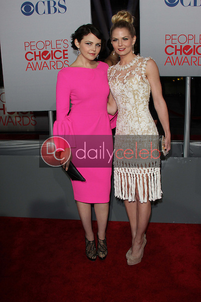 Ginnifer Goodwin, Jennifer Morrison<br /> at the 2012 People's Choice Awards Arrivals, Nokia Theatre. Los Angeles, CA 01-11-12<br /> David Edwards/DailyCeleb.com 818-249-4998