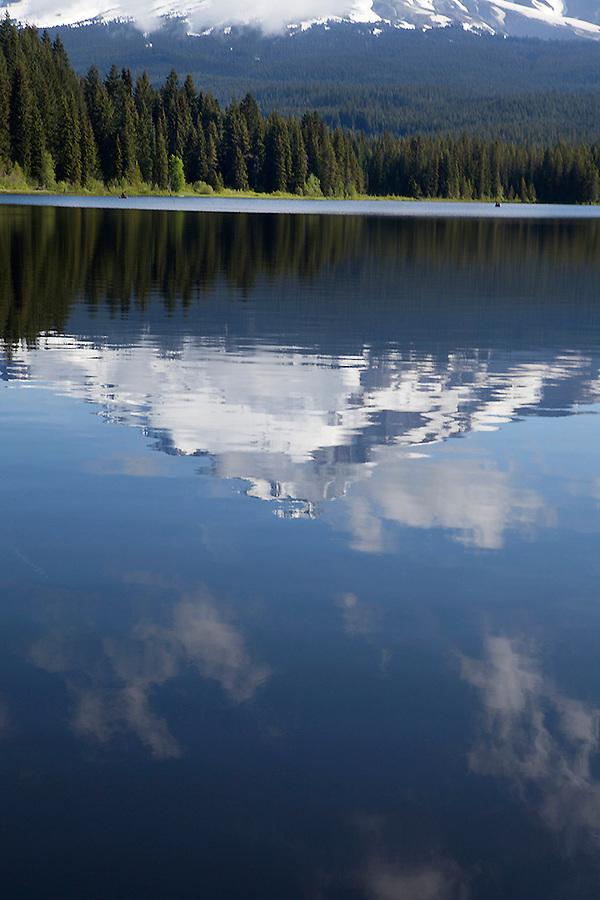 Mount Hood reflected in Trillium Lake, Oregon, OR, USA