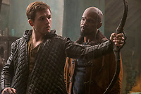 Robin Hood (2018)<br /> Taron Egerton &amp; Jamie Foxx  <br /> *Filmstill - Editorial Use Only*<br /> CAP/MFS<br /> Image supplied by Capital Pictures