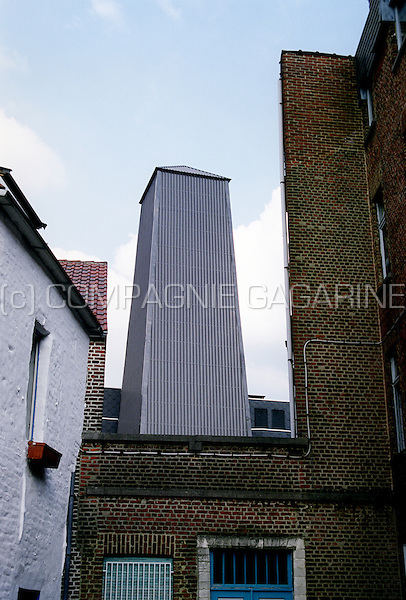 The tower from the Toewip pub in Leuven (Belgium, 10/05/1994)