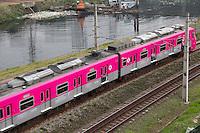 SAO PAULO, SP - 20.10.2014 - CPTM CAMPANHA CONTRA CANCER DE MAMA - Trens da CPTM que compõem a linha 9 esmeralda, são vistos com pintura diferenciada nesta segunda-feira (20), na marginal pinheiros. Os trens com pintura rosa em Campanha nacional de combate ao Cancer de Mama.<br /> <br /> (foto: Fabricio Bomjardim / Brazil Photo Press)