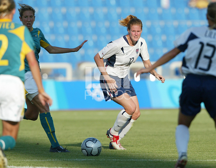 17 August 2004:   Cindy Parlow in action against Australia  at Kaftanzoglio Stadium in Thessaloniki, Greece.     USA tied Australia at 1-1.   Credit: Michael Pimentel / ISI