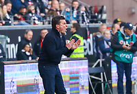 Trainer Dieter Hecking (Borussia Mönchengladbach) feuert sein Team an - 17.02.2019: Eintracht Frankfurt vs. Borussia Mönchengladbach, Commerzbank Arena, 22. Spieltag Bundesliga, DISCLAIMER: DFL regulations prohibit any use of photographs as image sequences and/or quasi-video.
