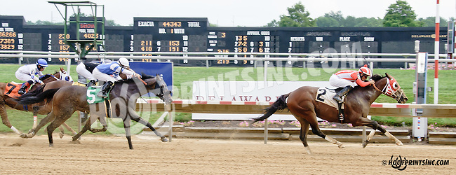 Eight Riders winning at Delaware Park on 7/26/14