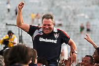 ATENÇÃO EDITOR: FOTO EMBARGADA PARA VEÍCULOS INTERNACIONAIS PRESIDENTE PRUDENTE 11 NOVEMBRO 2012 - CAMPEONATO BRASILEIRO - PALMEIRAS x FLUMINENSE - O tecnico Abel neto  do Fluminense  comemoram titulo apos vitoria sobre o palmeiras apos  partida Palmeiras x Fluminense válido pela 35º rodada do Campeonato Brasileiro no Estádio Eduardo José Farah. Apelido, (Prudentão), no interior paulista na tarde deste domingo (11).(FOTO: ALE VIANNA -BRAZIL PHOTO PRESS)