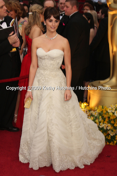 Penelope Cruz  arriving at the 81st Academy Awards at the Kodak Theater in Los Angeles, CA  on.February 22, 2009.©2009 Kathy Hutchins / Hutchins Photo...                .
