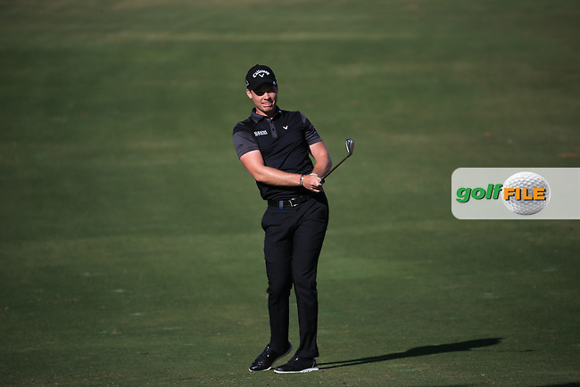 Danny Willett (ENG) has the edge over the field with a round of 65 during Round Three of the 2016 Omega Dubai Desert Classic, played on the Emirates Golf Club, Dubai, United Arab Emirates.  06/02/2016. Picture: Golffile | David Lloyd<br /> <br /> All photos usage must carry mandatory copyright credit (&copy; Golffile | David Lloyd)