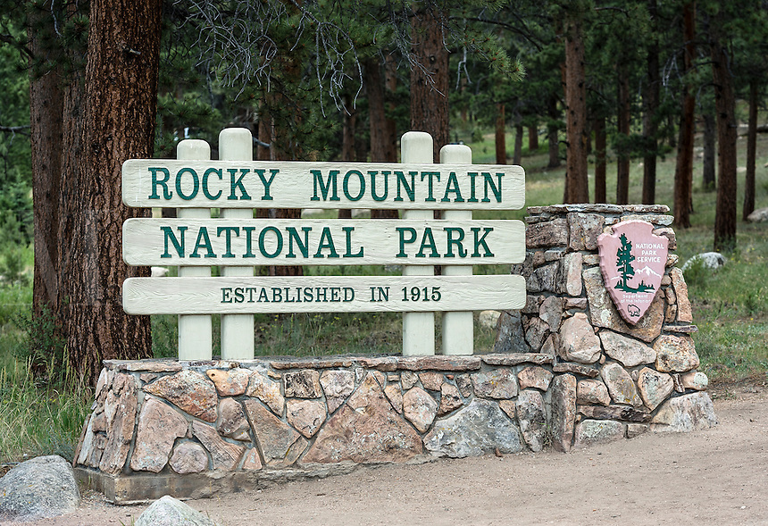 Entrance sign for Rocky Mountain National Park, Colorado, USA
