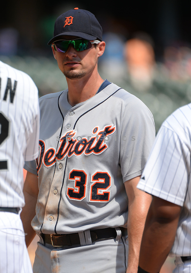 Detroit Tigers Don Kelly (32) during a game against the Chicago White Sox on August 31, 2014 at US Cellular Field in Chicago, IL. The Tigers beat the White Sox 8-4.