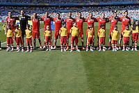 FUSSBALL WM 2014  VORRUNDE    GRUPPE F     Argentinien - Iran                         21.06.2014 Die Mannschaft vom Iran nimmt vor dem Spiel Aufstellung