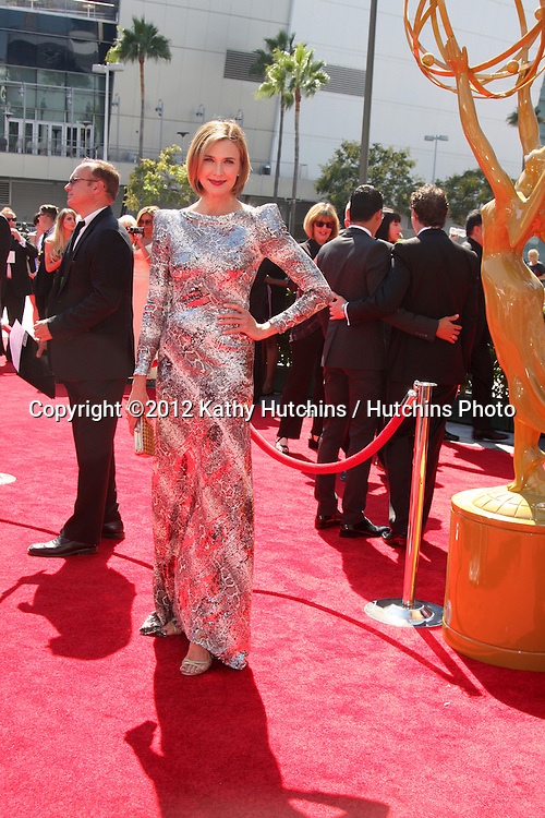 LOS ANGELES - SEP 15:  Brenda Strong arrives at the  Primetime Creative Emmys 2012 at Nokia Theater on September 15, 2012 in Los Angeles, CA