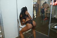 SÃO PAULO, SP, 09.06.2017 - FEIRA-SP - Modelos durante a feira Erotika Experience 2017, no centro de convenções do Anhembi, na tarde desta sexta-feira, 09. (Foto: Adriana Spaca/Brazil Photo Press)