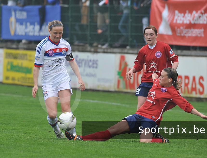 1/2 finale Coupe De France in Arras , stade Degouve : Arras - Olympique Lyonnais Lyon : Sonia Bompastor.foto JOKE VUYLSTEKE / Vrouwenteam.be