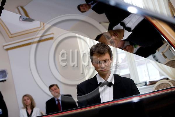 POZNAN - POLAND - 3 JUNE 2008 -- Piotr ZUKOWSKI, a rising star of Polish classical piano, plays at the White Hall of Poznan City Hall.  Photo: Erik Luntang/EUP-IMAGES