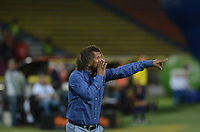 MEDELLÍN -COLOMBIA-25-07-2015. Alberto Gamero técnico de Deportes Tolima gesticula durante partido con Independiente Medellín por la fecha 3 de la Liga Águila I 2015 jugado en el estadio Atanasio Girardot de la ciudad de Medellín./ Alberto Gamero coach of Atletico Nacional gestures during match against Independiente Medellin for the third date of the Aguila League II 2015 at Atanasio Girardot stadium in Medellin city. Photo: VizzorImage/León Monsalve/Cont