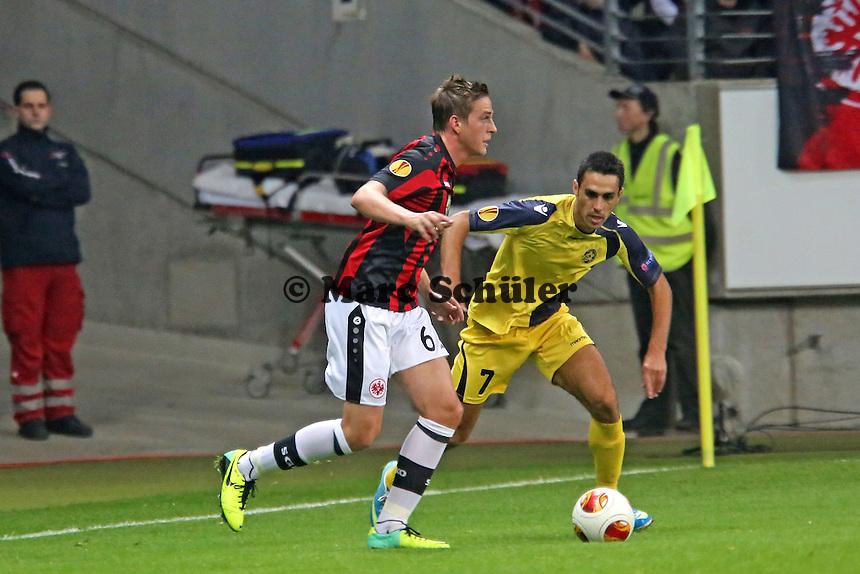Eran Zahavi (Tel Aviv) gegen Bastian Oczipka (Eintracht) - Eintracht Frankfurt vs. Macabi Tel Aviv, Europa League 3. Spieltag