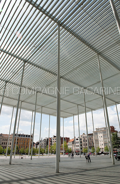 The roof over the Theaterplein in Antwerp, designed by Secchi & Viganò (Belgium, 13/05/2011)