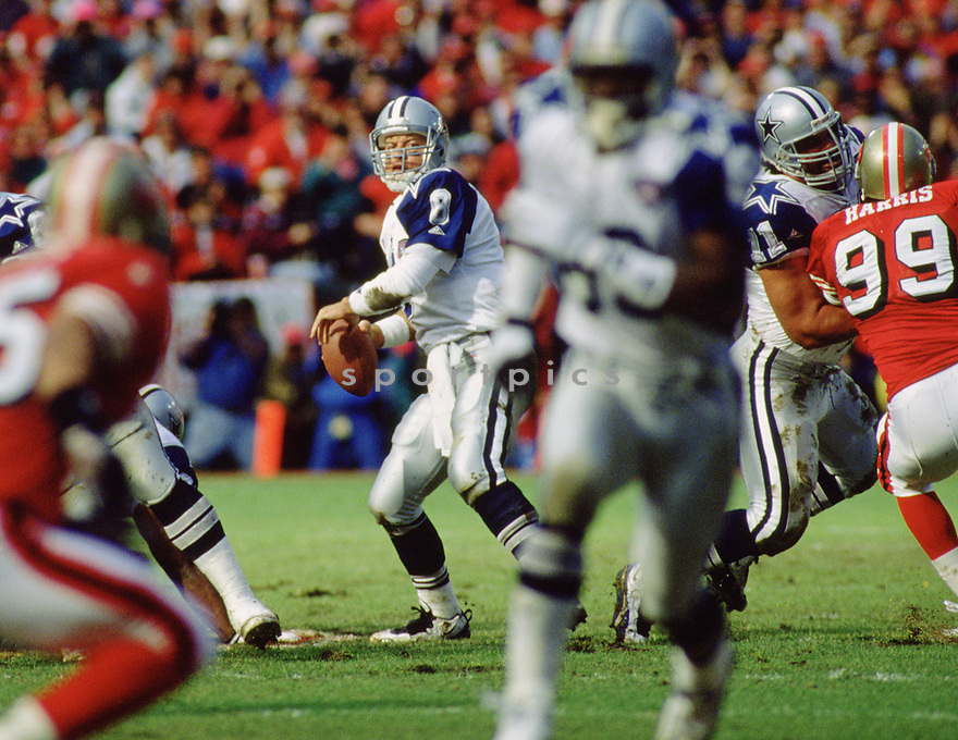 Dallas Cowboys Troy Aikman (8) during a game from his 1995 season with the Dallas Cowboys, Troy Aikman played for 12 years, with all with the Cowboys, was a 6-time Pro Bowler and was inducted to the Pro Football Hall of Fame in 2006.(SPORTPICS)