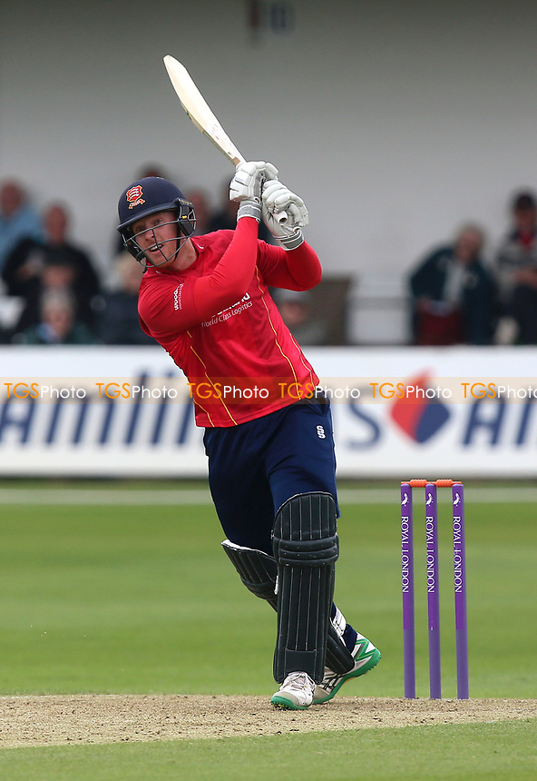 Adam Wheater in batting action for Essex during Essex Eagles vs Gloucestershire, Royal London One-Day Cup Cricket at The Cloudfm County Ground on 4th May 2017