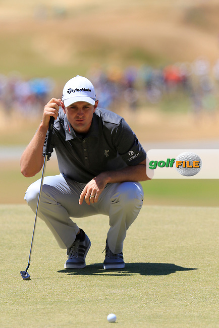 Justin Rose (ENG) lines up his putt on the 7th green during Friday's Round 2 of the 2015 U.S. Open 115th National Championship held at Chambers Bay, Seattle, Washington, USA. 6/19/2015.<br /> Picture: Golffile   Eoin Clarke<br /> <br /> <br /> <br /> <br /> All photo usage must carry mandatory copyright credit (&copy; Golffile   Eoin Clarke)
