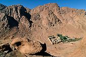 6 Le monastère de Sainte-Catherine joyau du Sinaï  The / monastery of St. Catherine