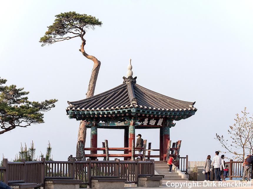 Pavillon Uisang Dae, buddhistischer Tempel Naksan Sa bei Sokcho, Provinz Gangwon, S&uuml;dkorea, Asien<br /> Pavilion Uisang Dae,  buddhistic temple Naksan sa near Sokcho, province Gangwon, South Korea, Asia