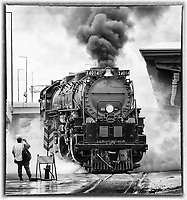 Big Boy No. 4014 departed the Duluth Depot amidst its cloud of steam.