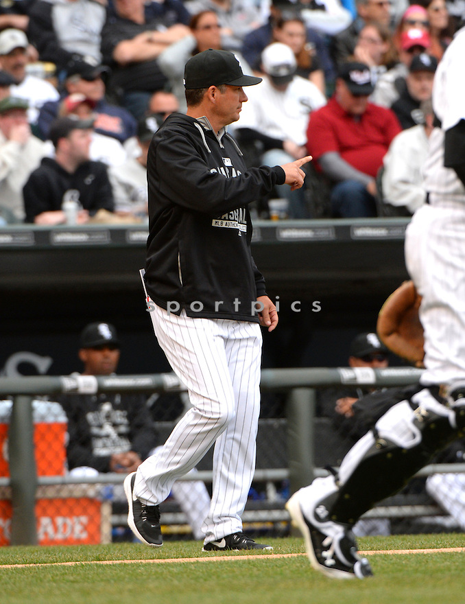 Chicago White Sox Robin Ventura (23) during the White Sox home opener against the Minnesota Twins on April 10, 2015 at US Cellular Field in Chicago, IL. The Twins beat the White Sox 6-0.