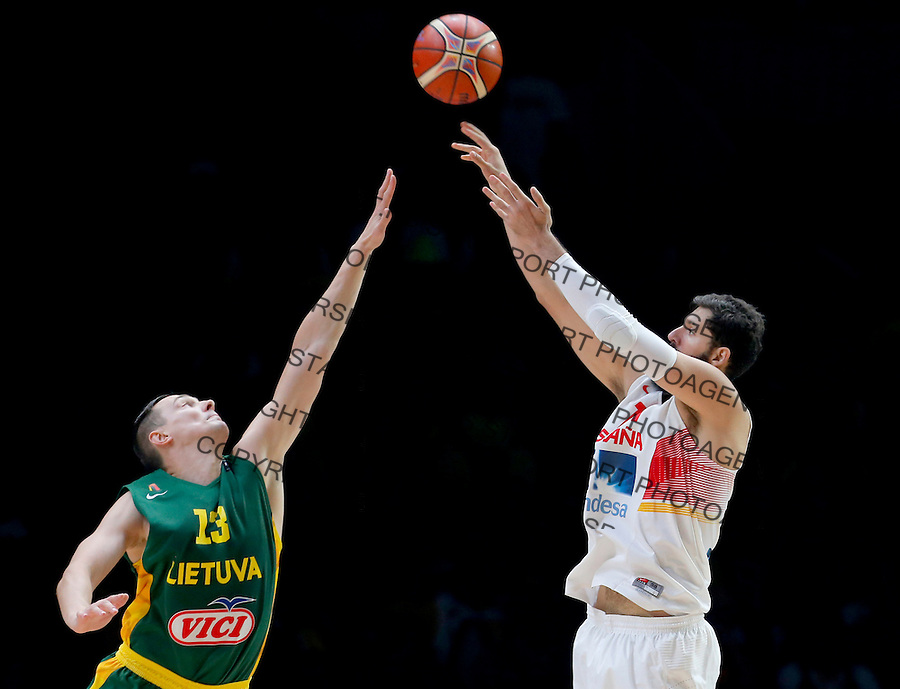 Spain's Nikola Mirotic (R) vies with Lithuania's Paulius Jankunas(L) during European championship basketball final match between Spain and Lithuania on September 20, 2015 in Lille, France  (credit image & photo: Pedja Milosavljevic / STARSPORT)