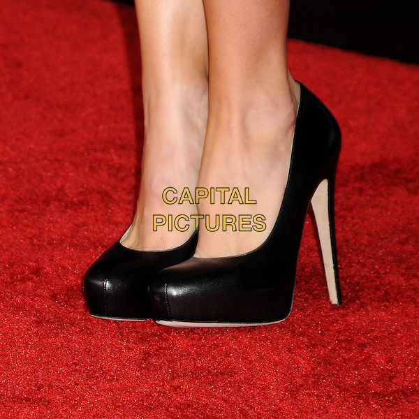 "JENNIFER GARNER's shoes .""Valentine's Day"" Los Angeles Premiere - arrivals held at Grauman's Chinese Theatre, Hollywood, California, USA, .8th February 2010..detail feet black heels platform .CAP/ADM/BP.©Byron Purvis/AdMedia/Capital Pictures."