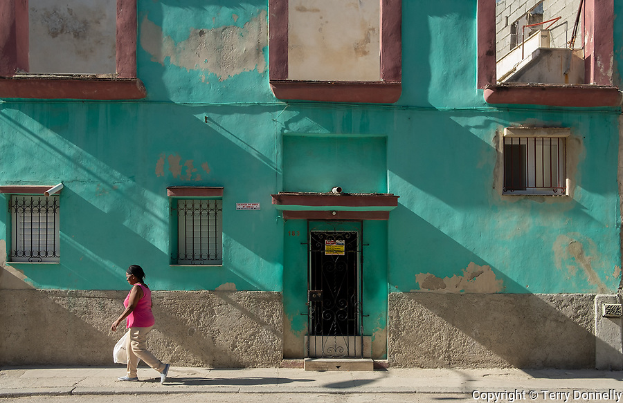 Havana, Cuba:<br /> Street scene, Havana Viejo
