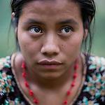 24 noviembre 2014. <br /> Marta Chub (20 a&ntilde;os) vecina y afectada por la ampliaci&oacute;n de la hidroel&eacute;ctrica Renace. <br /> La llegada de algunas compa&ntilde;&iacute;as extranjeras a Am&eacute;rica Latina ha provocado abusos a los derechos de las poblaciones ind&iacute;genas y represi&oacute;n a su defensa del medio ambiente. En Santa Cruz de Barillas, Guatemala, el proyecto de la hidroel&eacute;ctrica espa&ntilde;ola Ecoener ha desatado cr&iacute;menes, violentos disturbios, la declaraci&oacute;n del estado de sitio por parte del ej&eacute;rcito y la encarcelaci&oacute;n de una decena de activistas contrarios a los planes de la empresa. Un grupo de ind&iacute;genas mayas, en su mayor&iacute;a mujeres, mantiene cortado un camino y ha instalado un campamento de resistencia para que las m&aacute;quinas de la empresa no puedan entrar a trabajar. La persecuci&oacute;n ha provocado adem&aacute;s que algunos ecologistas, con &oacute;rdenes de busca y captura, hayan tenido que esconderse durante meses en la selva guatemalteca.<br /> <br /> En Cob&aacute;n, tambi&eacute;n en Guatemala, la hidroel&eacute;ctrica Renace se ha instalado con amenazas a la poblaci&oacute;n y falsas promesas de desarrollo para la zona. Como en Santa Cruz de Barillas, el proyecto ha dividido y provocado enfrentamientos entre la poblaci&oacute;n. La empresa ha cortado el acceso al r&iacute;o para miles de personas y no ha respetado la estrecha relaci&oacute;n de los ind&iacute;genas mayas con la naturaleza. &copy;Calamar2/ Pedro ARMESTRE<br /> <br /> The arrival of some foreign companies to Latin America has provoked abuses of the rights of indigenous peoples and repression of their defense of the environment. In Santa Cruz de Barillas, Guatemala, the project of the Spanish hydroelectric Ecoener has caused murders, violent riots, the declaration of a state of siege by the army and the imprisonment of a dozen activists opposed to the project . <br /> A group of Mayan Indians, mostly 